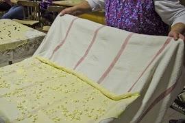 Rétes nyújtás és sütés Lipótfán 2016