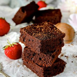 Flourless Keto Brownie Bites.