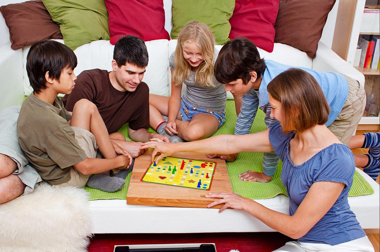 Phương pháp vừa học vừa chơi cùng con rất được các bậc phụ huynh quan tâm