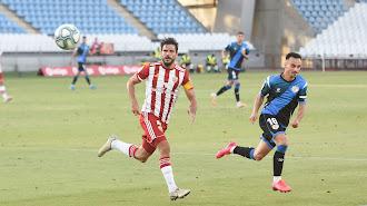 Romera en una jugada del partido ante el Rayo Vallecano en el Mediterráneo.
