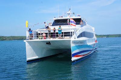 Travel from Trat to Koh Mak by Boonsiri high speed catamaran