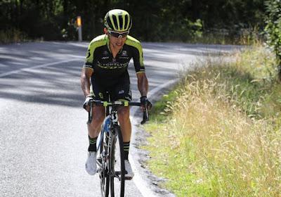 """Klassementsrenner in de Vuelta reed lek in volle finale van derde etappe: """"Het is gewoon pech, want ik had goede benen"""""""
