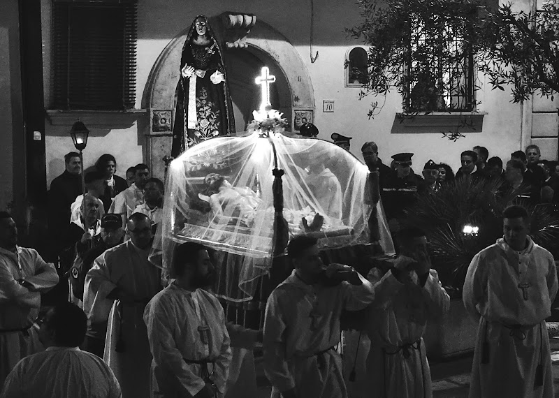 Il funerale di Gesù... di Francesco Abate