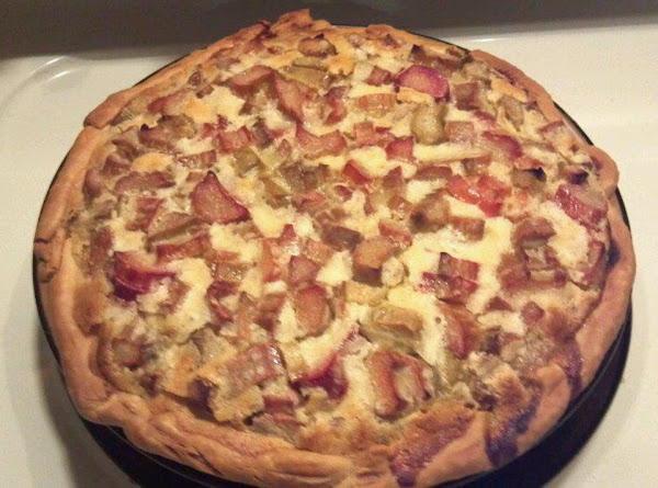 Easy And Yummy Rhubarb Custard Pie Recipe