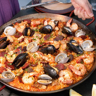 Paella Mixta (Paella with Seafood and Meat).