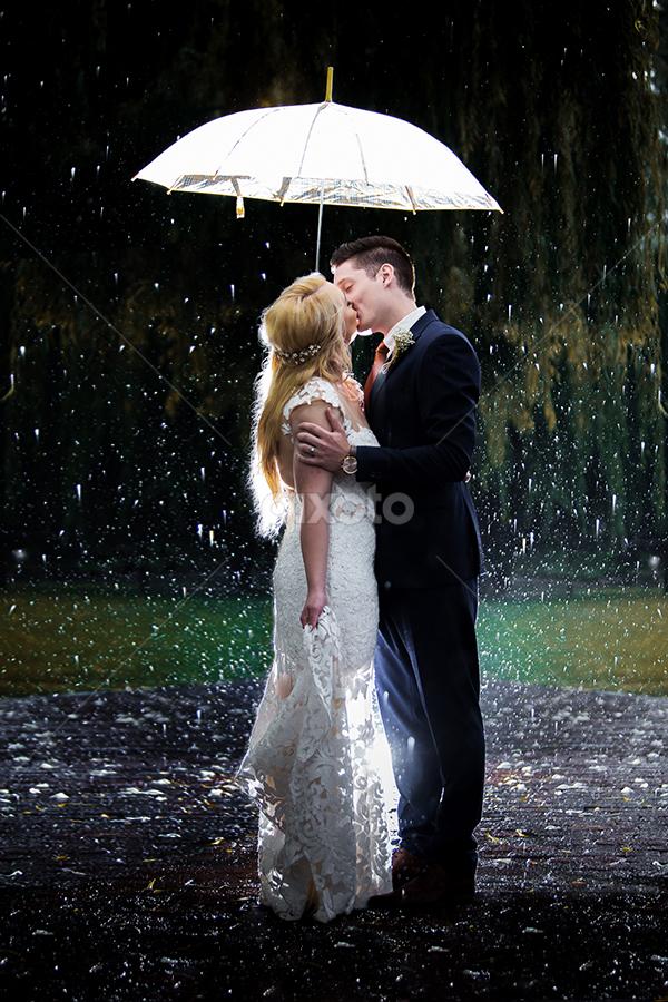 Raining by Lood Goosen (LWG Photo) - Wedding Bride & Groom ( wedding photography, wedding photographers, wedding day, weddings, wedding, wedding dress, bride and groom, wedding photographer, bride, groom, bride groom )