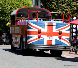 Photo: (Year 2) Day 331 - A Sightseeing Bus in Victoria