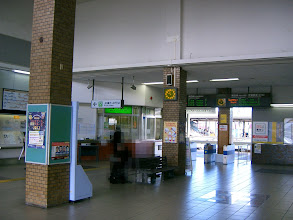 Photo: 四日市から上り方面へは、TOICA利用可能エリアと なるので、Suicaも利用可能となる。 四日市駅でチャージも可能。