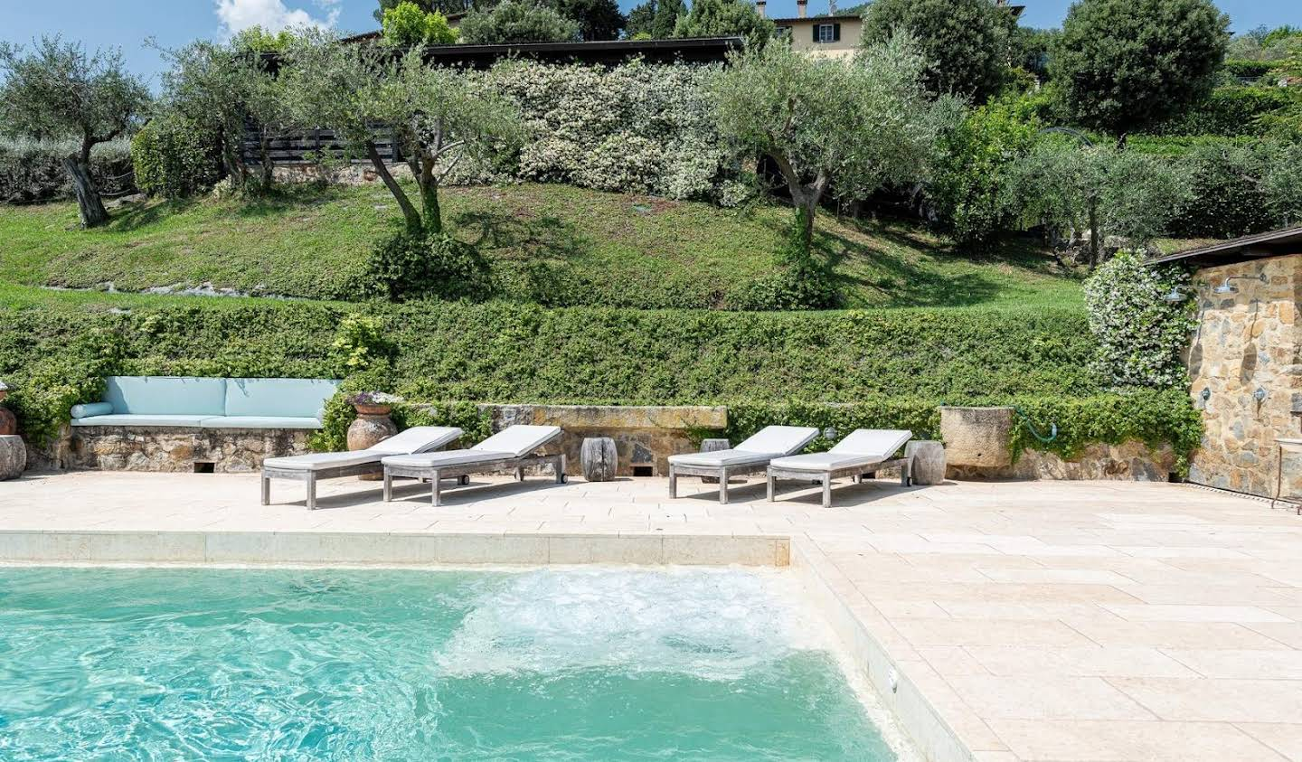 Villa with pool Lucca