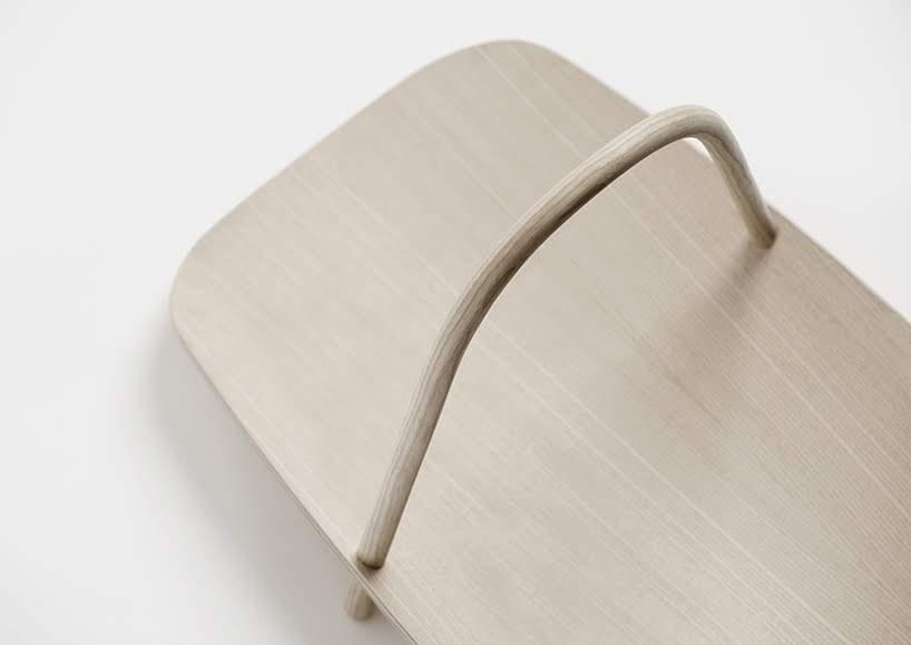 El diseño de este revistero combina dos tecnologías en madera