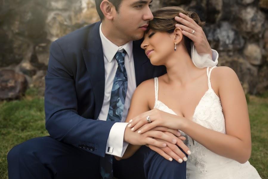 Nhiếp ảnh gia ảnh cưới Daniel Sierralta (sierraltafoto). Ảnh của 10.06.2019