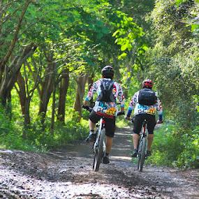 Advanture MTB to Pink Beach by Putu Ekak - Sports & Fitness Cycling