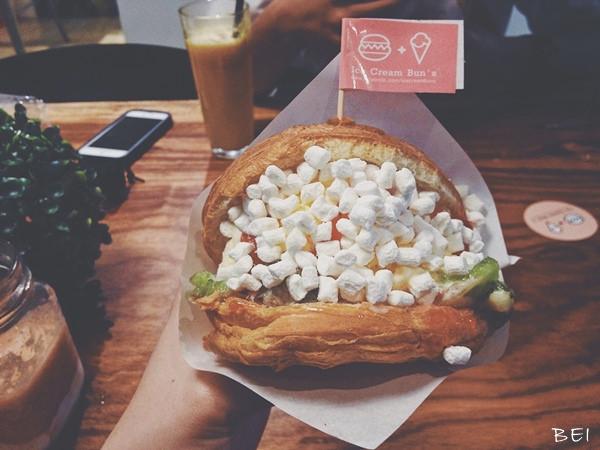 【台中美食】Ice Cream Bun's漢堡冰淇淋∞獨角獸都吃這個漢堡
