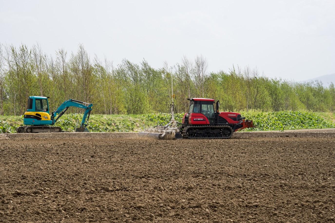 圃場の水平設定作業