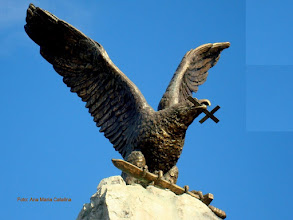 Photo: Monumentul Eroilor Aviatori  (P-ta 1 Decembrie 1918)  http://ana-maria-catalina.blogspot.ro/2013/05/turda-monumentul-aviatorilor.html
