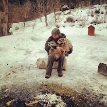 Photo: Que maravilla ser testigo del cariño que estos animales tienen hacia la persona que los cuida. #DescubriendoQuebec