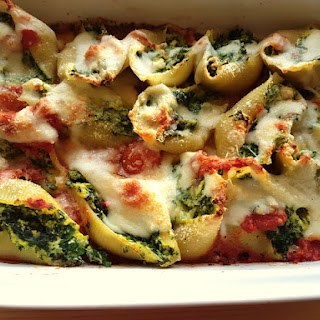 Baked Conchiglioni Pasta Shells With Spinach And Ricotta.