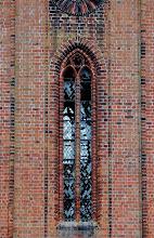 Photo: kaputte Kirchenfenster in Kloster Malchow 2010