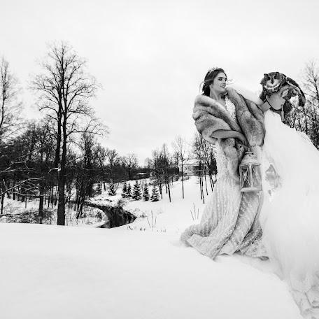 Wedding photographer Anton Yulikov (Yulikov). Photo of 26.12.2017