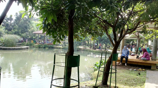 Danau buatan di lembah gurame
