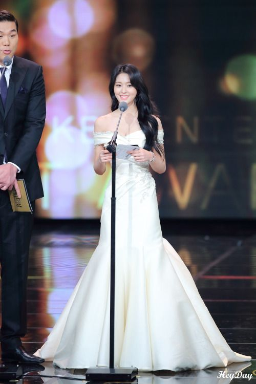 seol gown 10