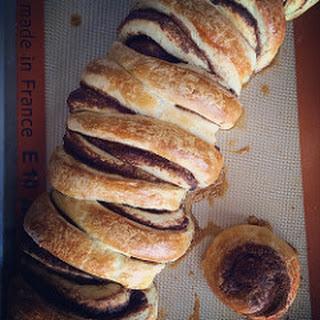 Browned Butter Brioche Cinnamon Roll Pull-apart Bread