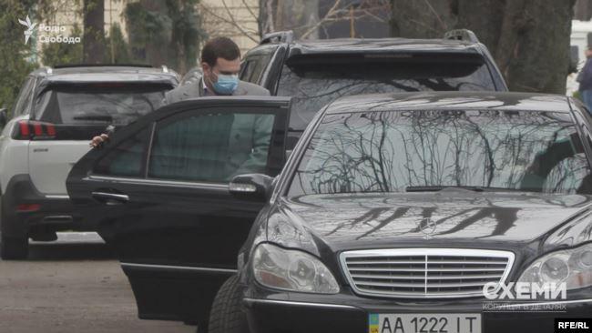 Пізніше Володимир Сало вийшов з будівлі МОЗ – і журналісти поцікавилися в нього про мету його візиту, однак той відмовився її пояснити