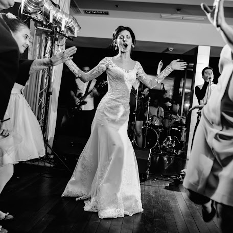 Wedding photographer Alex Suhomlyn (TwoHeartsPhoto). Photo of 08.02.2018
