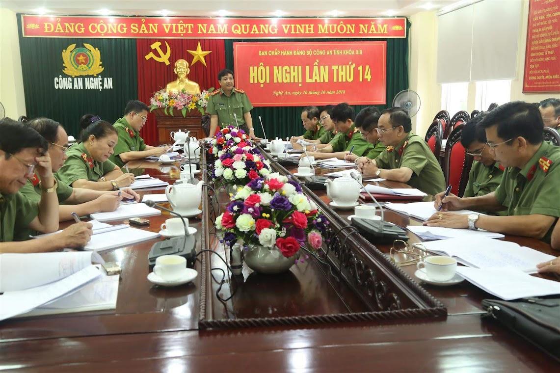 Đại tá Hồ Văn Tứ, Phó Bí thư Đảng ủy, Chủ nhiệm UBKT Đảng ủy Công an tỉnh Nghệ An