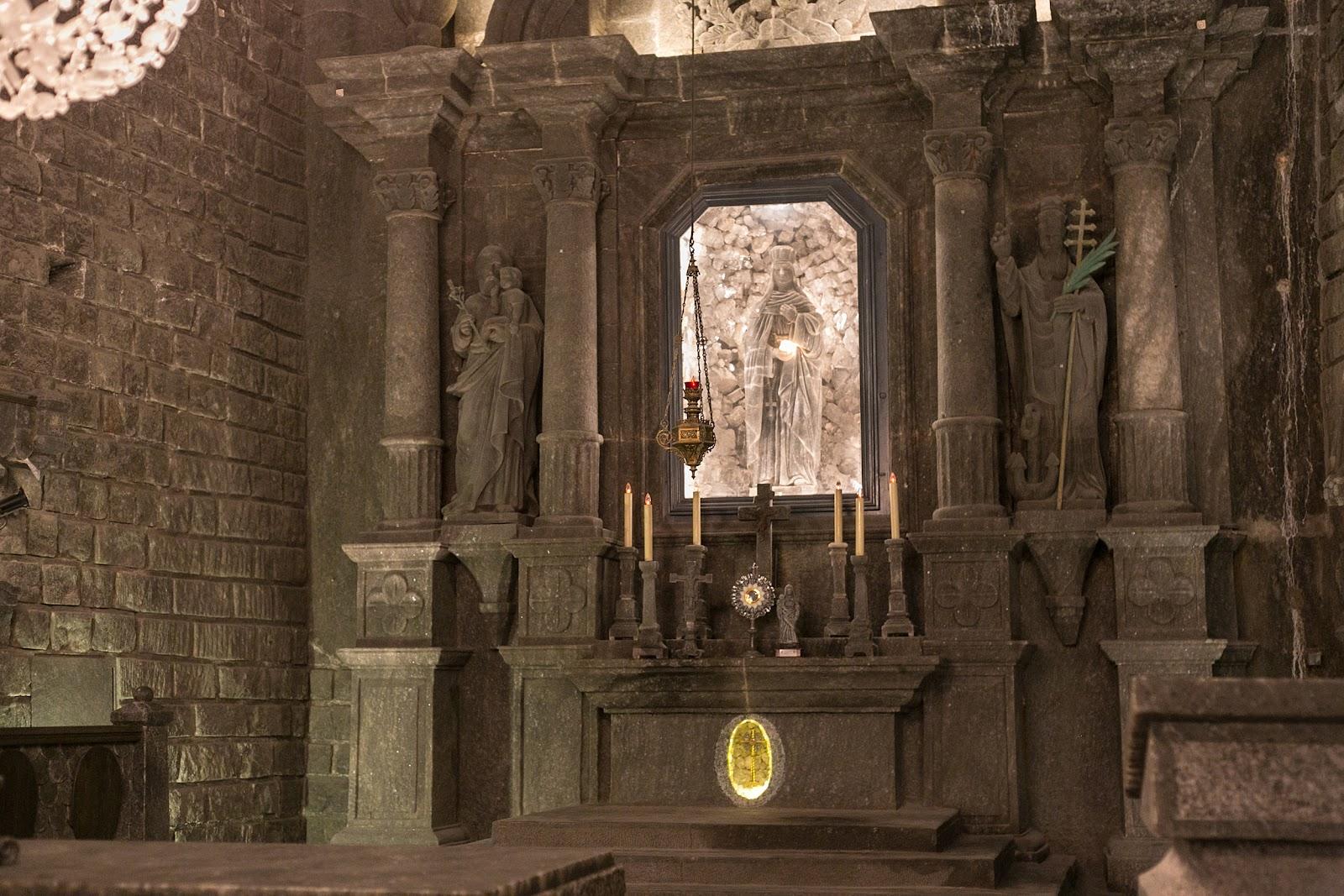 Nhà nguyện Thánh Kinga ở Wieliczka, Ba lan – nhà thờ lớn nhất thế giới được xây dựng dưới lòng đất!