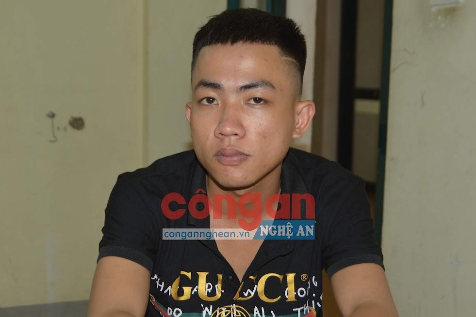 Đối tượng Nguyễn Hữu Tiến được xác định là đối tượng cầm đầu trong 2 nhóm phạm tội