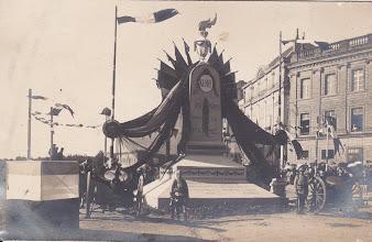 Photo: 82 - Montauban   Réception de la 33ème Division d'Infanterie le 02/09/1919   Ce monument aux morts n'existe plus