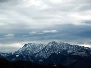 Photo: Sengsengebirge, srednji vrh je Schillereck, lijevi Hochsengs, skroz desno se vidi toranj radiostanice na koju izbijam sa kontra strane uspona.