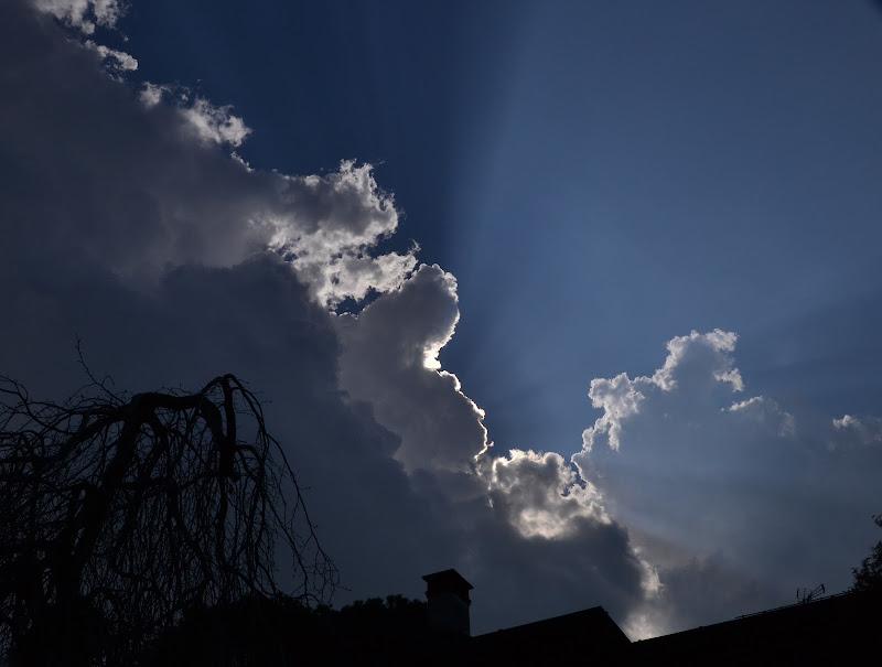 un raggio di sole in mezzo a tante nuvole di timis_maria_loredana