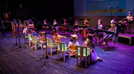 El Aula Creativa de Música celebra su fin de curso en el Teatro Cervantes