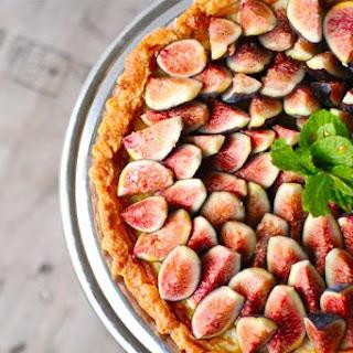 Honey Mascarpone Amaretti Tart with Fresh Figs.