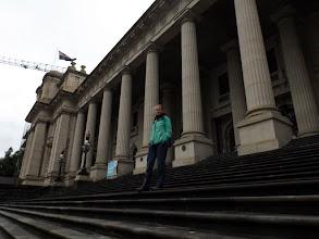 Photo: Vor dem Parlamentsgebäude Victorias (einstmals Australiens Parlamentssitz)