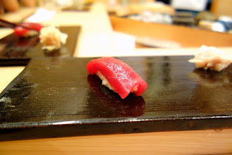 Photo: Akami. More and more, I find myself prefering akami to more fatty cuts of tuna. While good chutoro or otoro can be immensely enjoyable, these cuts don't have the same depth of flavor as plain akami. I believe this piece of sushi has been one of my favorite from the whole trip.