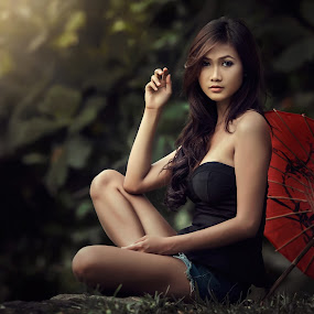 Amalia with umbrella by Ivan Lee - People Fine Art ( sexy, model, girl, nature, umbrella, beauty )