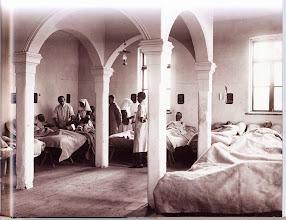 Photo: Kórház  Megjelent: Magyarország az első világháborúban. Főszerk. Romsics Ignác. Kossuth K. Hadtörténeti Intézet és Múzeum 2010. 125. o.