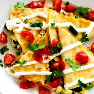 Spinach & Red Pepper Breakfast Quesadillas