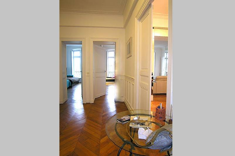 Extra space at Latin Quarter apartment
