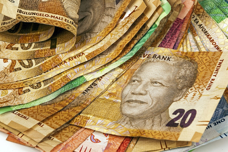 Analysts are evenly split on whether the Reserve Bank's monetary policy committee will change the repo rate on Thursday afternoon. If there is a change, the most likely option is a quarter percent (25 basis points) rise, say economists.