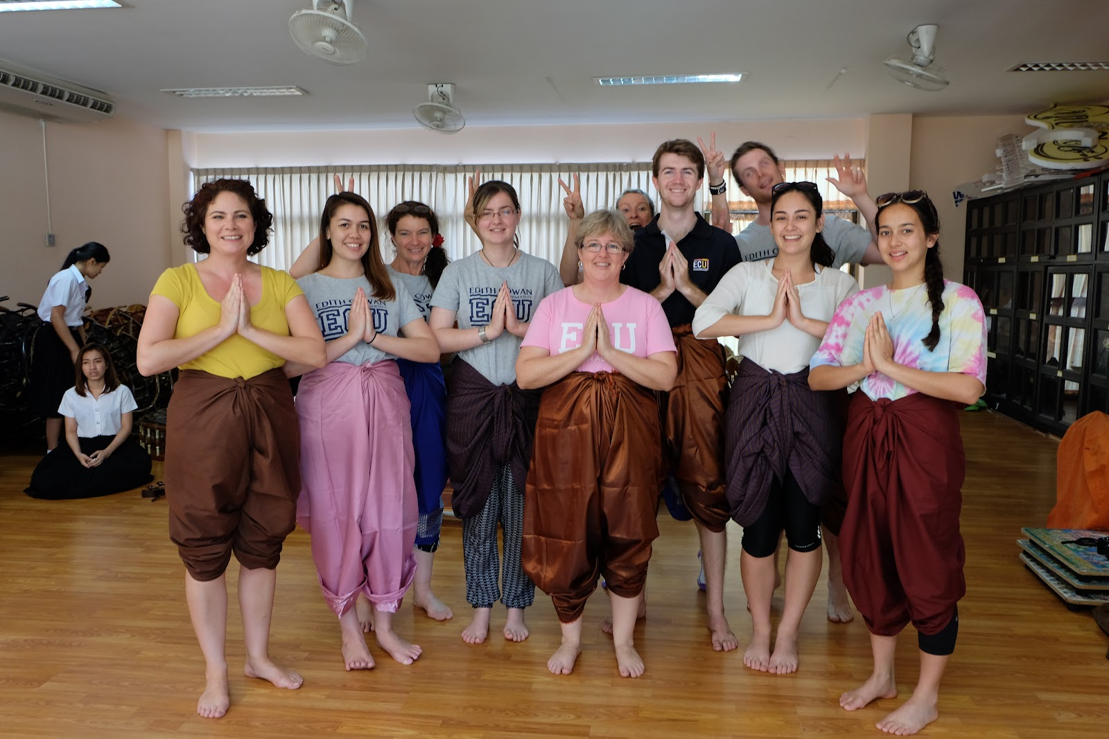 Students take Thai culture classes during study abroad
