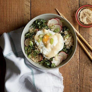 Weight Watchers Brown Rice Bowl With Miso, Poached Egg, And Kale- Radish Slaw