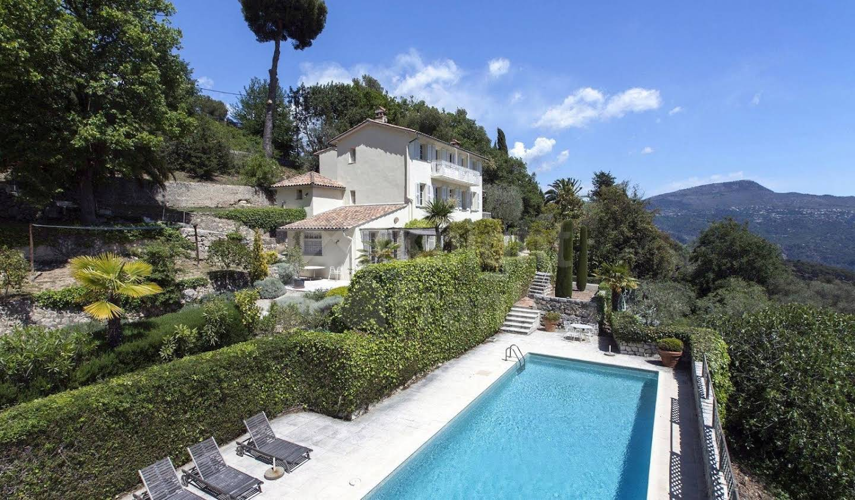 Villa avec piscine et terrasse Carros