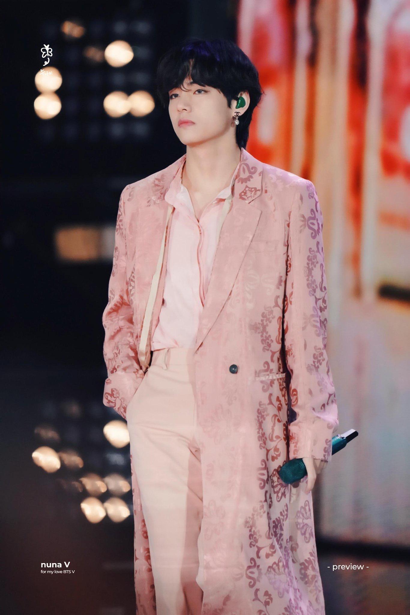 v pink