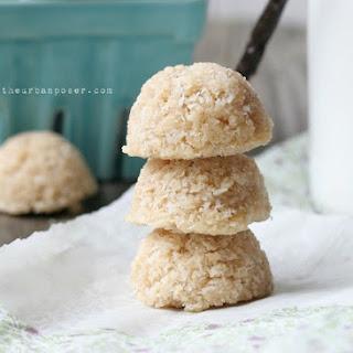 Egg Free, Vanilla Bean Coconut Macaroons (Raw or Baked).