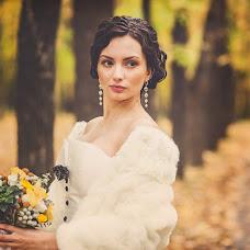 Wedding photographer Alena Zvezdina (Viorteia). Photo of 14.10.2013