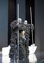 Photo: DAS RHEINGOLD. Wiener Staatsoper am 10.1.2016 Ain Anger, Norbert Ernst, Sorin Coliban. Copyright; Wiener Staatsoper/ Michael Pöhn